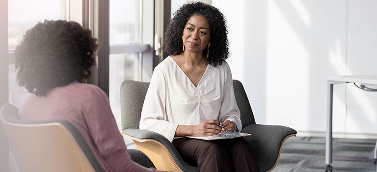 How to become a licensed clinical social worker