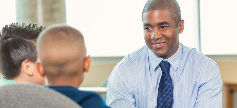how to become a school social worker